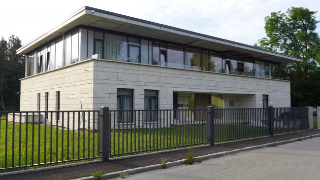 Дом в Грюнвальде,  проект 2010 г., реализация 2010-2014 гг. Автор: Арсений Леонович © Архитектурное бюро PANACOM
