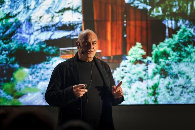 Массимилиано Фуксас на лекции в Институте «Стрелка». Фото: Михаил Голденков / Институт «Стрелка»