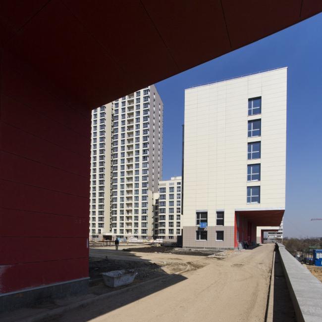 Жилой комплекс в Одинцово. Консоли над пожарным проездом © АБ Остоженка