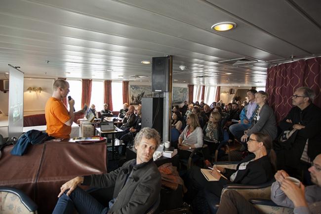 Доклад Тормода Амундсена. Фото © NAF / Øystein Nermo