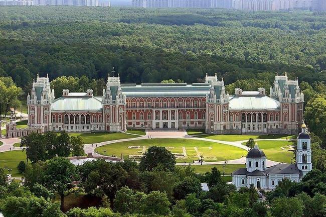 Реставрация зданий музея-заповедника Царицыно. Фотография с сайта 2do2go.ru