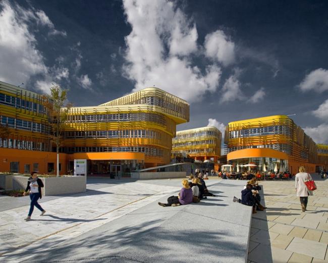 «Новаторское использование цвета для фасадов» / Факультет права и администрации, Венский университет экономики и бизнеса (Австрия), бюро CRAB – Cook Robotham. Изображение предоставлено WAF