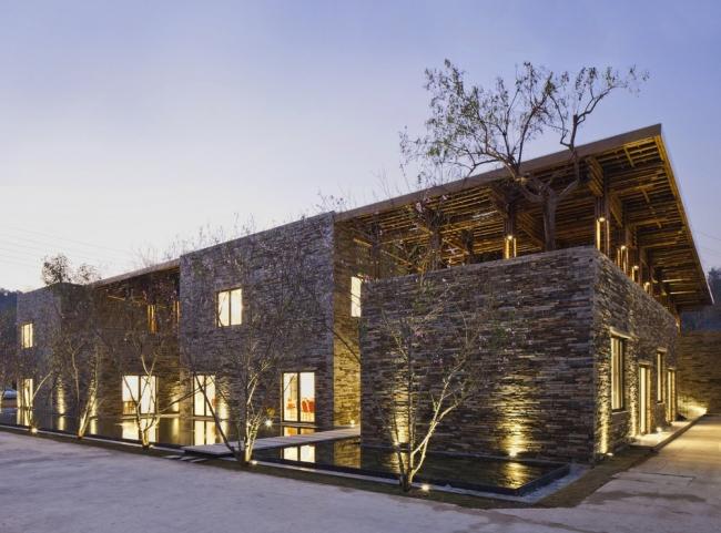 «Отель и досуг» / Ресторан Son La Restaurant (Вьетнам), бюро Vo Trong Nghia Architects. Изображение предоставлено WAF