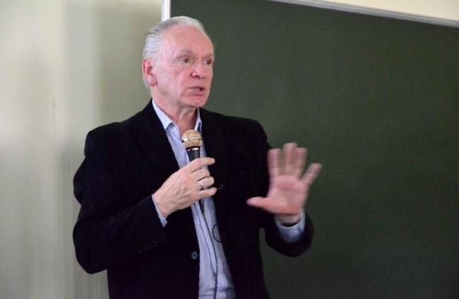 Валерий Нефёдов на лекции в МАРХИ. Фото: Елена Петухова