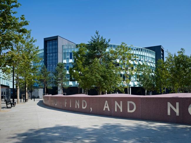 «Школы» / Академия Чобхем в Лондоне (Великобритания), бюро Allford Hall Monaghan Morris. Изображение предоставлено WAF