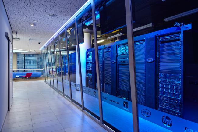 Московский технологический центр Microsoft. Серверная © UNK project