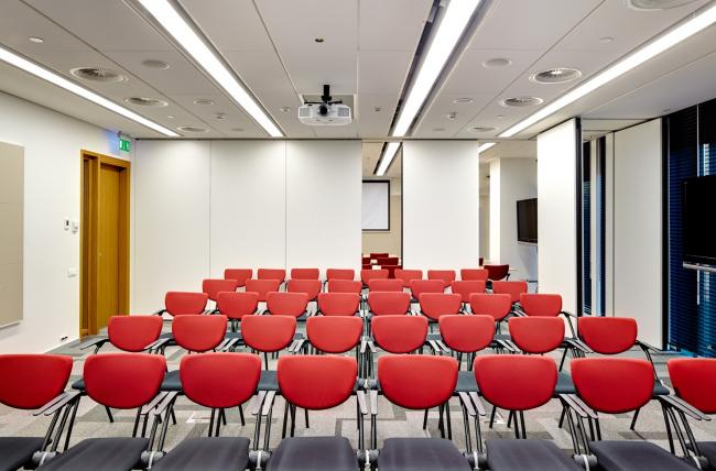 Московский технологический центр Microsoft. учебные классы трансформируются в конференц-зал © UNK project