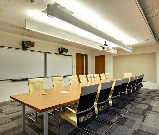 Московский технологический центр Microsoft. Брифингово-переговорная комната © UNK project