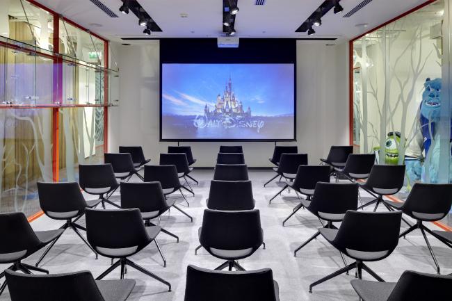 Офис российского представительства компании The Walt Disney Company CIS. Демонстрационный зал © UNK project