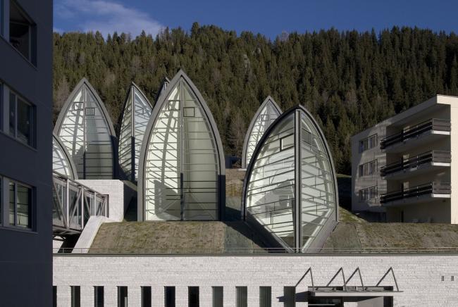 "Спа-центр ""Tschuggen Bergoase"" © Enrico Cano"