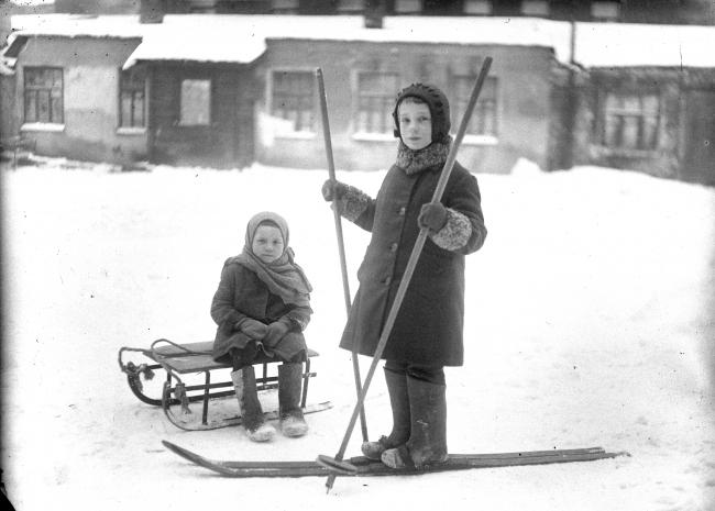Дети Хавско-Шаболовского жилмассива, 1950. Из частного архива