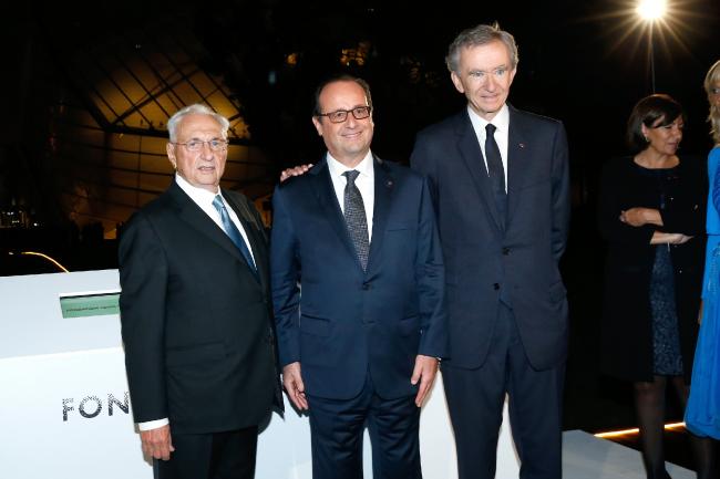 Фрэнк Гери, Франсуа Олланд и Бернар Арно на открытии здания ©2014 Rindoff Charriau