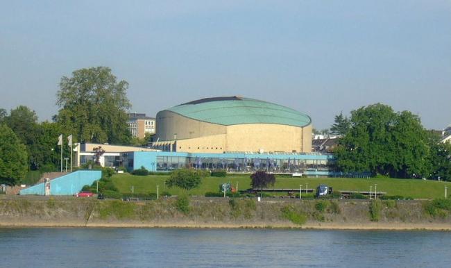 Концертный зал Бетховен-халле в Бонне. 1959. Архитектор Зигфрид Вольске. Фото: Leonce49=Hans Weingartz. Лицензия CC-BY-SA-3.0