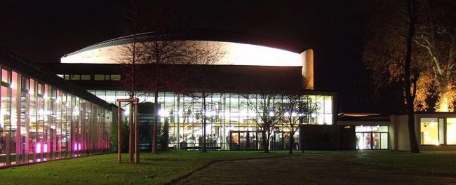 Концертный зал Бетховен-халле в Бонне. 1959. Архитектор Зигфрид Вольске. Фото: Leonce49=Hans Weingartz. Лицензия CC-BY-SA-2.0-DE