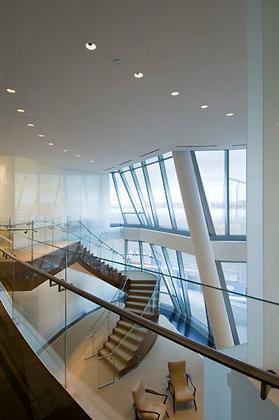 Штаб-квартира компании InterActiveCorp в Нью-Йорке. Атриум. © Thomas Mayer