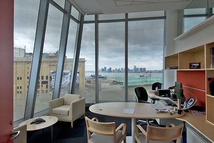 Штаб-квартира компании InterActiveCorp в Нью-Йорке. Стандартный офис. © Thomas Mayer