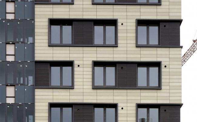 Башня многоквартирного жилого комплекса на проспекте Медиков по проекту Евгения Кицелева. Фотография предоставлена архитектурной мастерской SPEECH