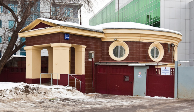 Насосная станция берегового дренажа. Архитектор Г.П. Гольц. Фотография, фиксирующая современное состояние. Изображение с сайта wikimapia.org