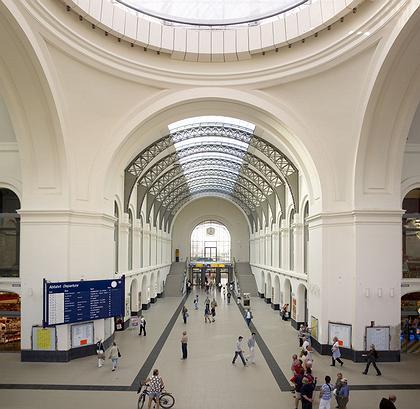 Норман Фостер. Реконструированный Главный городской вокзал Дрездена