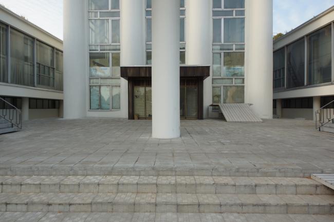 Павильон «Водное хозяйство», входная группа. Фотография © Дмитрий Михейкин, 2014