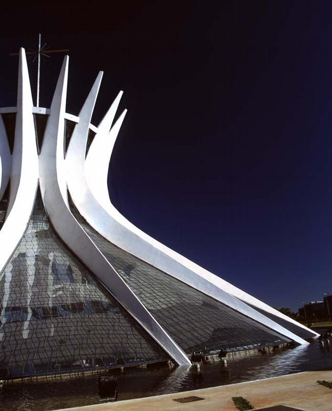 Оскар Нимейер. Кафедральный собор города Бразилиа
