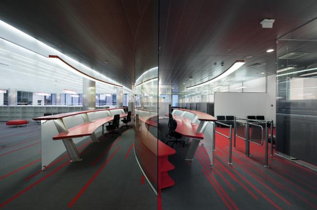 Зона ресепшн при входе в офис. Офис компании «Аэроэкспресс» © Arch Group