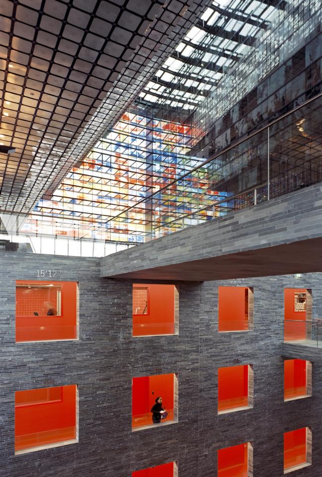 Нидерландский институт образа и звука. Фото: Scagliola/Brakkee © Neutelings Riedijk Architecten