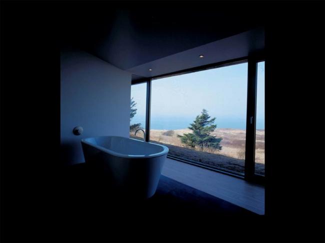 Гостевой дом. Вокруг этой ванны и придуман небольшой дом  в краю, где живут датские рыбаки и фермеры. Предоставлено Velux