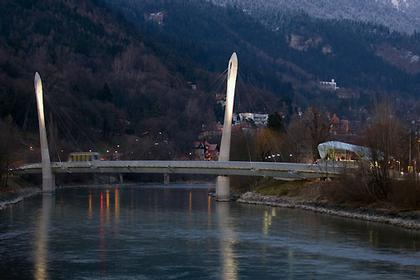 Канатная дорога Хунгербургбан. Мост через реку Инн © thomas mayer