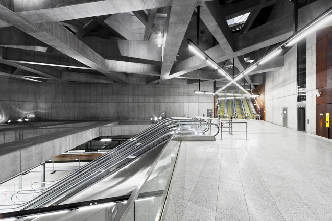 Станция метро «Фёвам тер» © Tamás Bujnovszky
