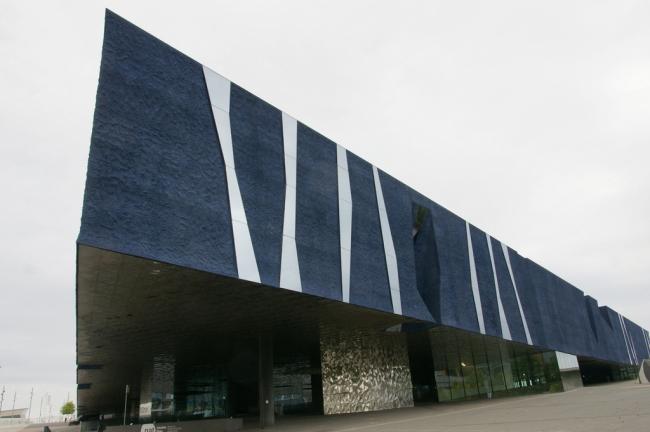 Здание Форума в Барселоне (2004). Фото:  jaime.silva via flickr. com. Лицензия Creative Commons