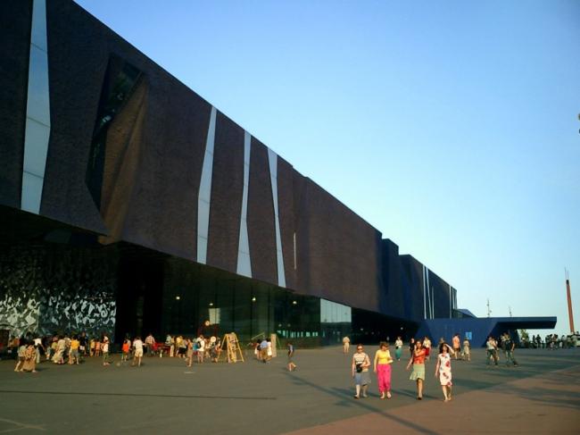 Здание Форума в Барселоне (2004). Фото: Stefan Georgi via flickr. com. Лицензия Creative Commons
