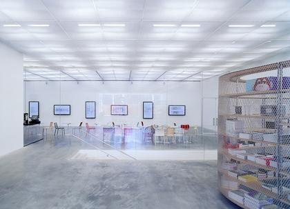 Новый музей современного искусства. Вестибюль