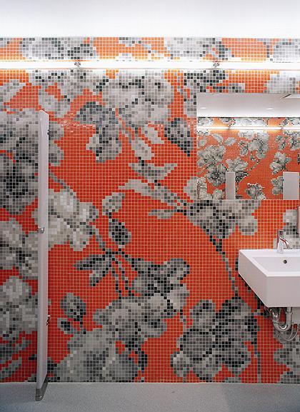 Новый музей современного искусства. Помещение туалетов цокольного этажа
