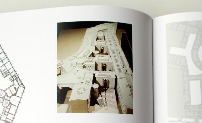 Model of the Major Enfilade // Oleg Yavein. Hermitage XXI century. New Museum in the Joint Staff. London: Thames & Hudson Ltd., 2014. Photo: Julia Tarabarina, Archi.ru