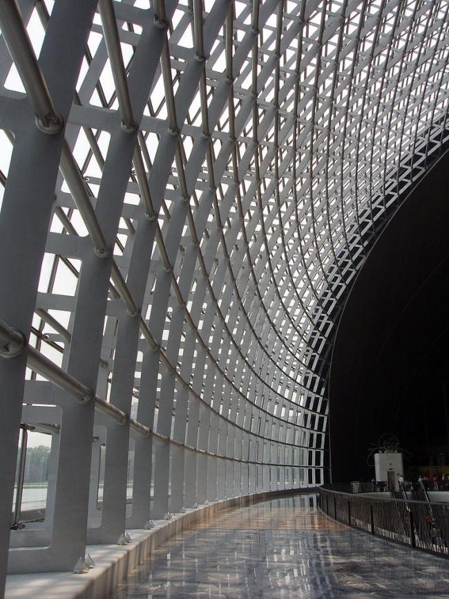 Большой народный театр Китая. Фото: Fanghong via Wikimedia Commons. Лицензия GNU Free Documentation License, Version 1.2