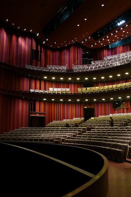 Большой народный театр Китая. Зал драматических спектаклей