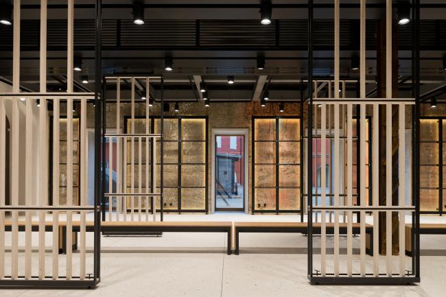 "Foyer. ""Electrotheater Stanislavsky"". Photo © Ilia Ivanov, 2014"