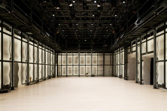 "Main hall. ""Electrotheater Stanislavsky"". Photo © Ilia Ivanov, 2014"