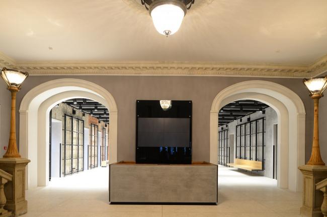 Вход в фойе 1 этажа с улицы. «Электротеатр Станиславский». Фотография © Илья Иванов, 2014