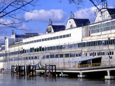 Завод «Рено» на острове Сеген