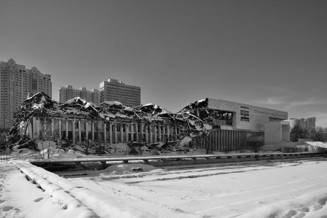Здание ИНИОН РАН после пожара. 2014. Фотография © Алексей Народицкий