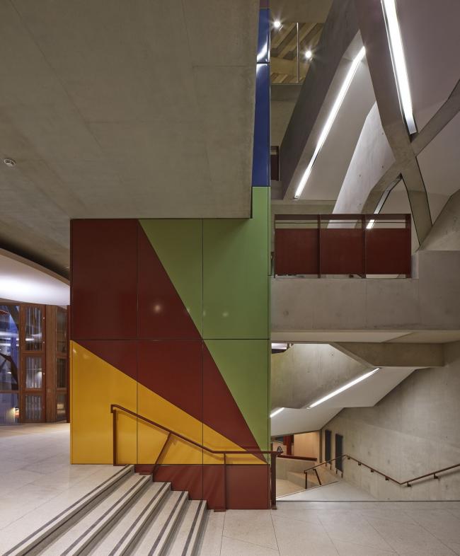 Студенческий центр им. Со Суи Хока Лондонской школы экономики © Dennis Gilbert