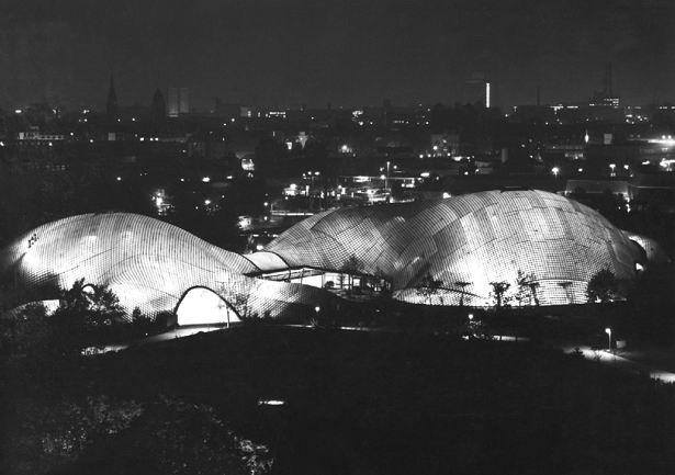 Зал Мультихалле в Мангейме. 1975© Atelier Frei Otto Warmbronn
