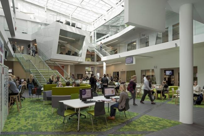 Университет Шеффилд Халлам. «Сердце кампуса» © HLM Architects