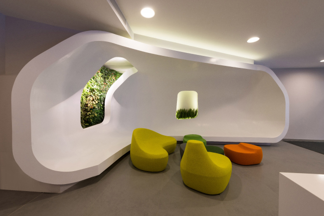 "Yandex HQ on Leo Tolstoy Street (second stage). Waiting lounge © ""Atrium"" Architectural Bureau"