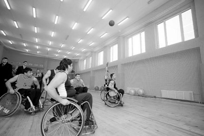 Центр социальной реабилитации инваидов и детей инвалидов. Постройка, 2010. Фотография интерьера спортивного зала © Шабловский Г. С.