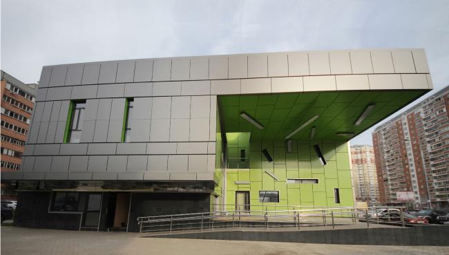 Магазины шаговой доступности «Стереопара». Здание № 45А © Архитектурное бюро «Богачкин и Богачкин»