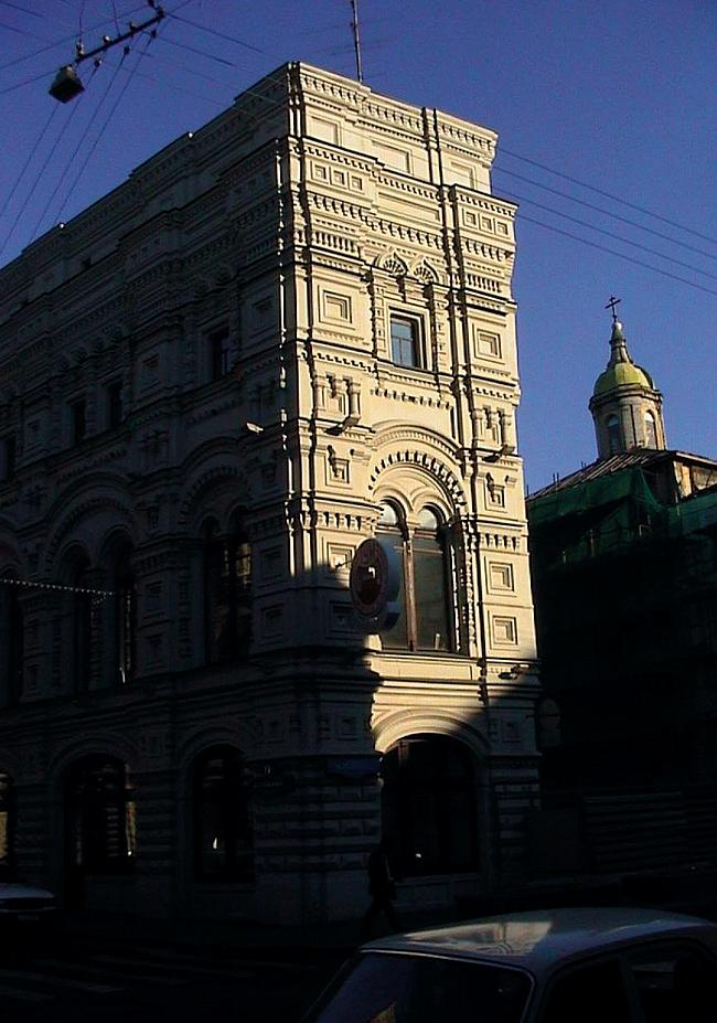 Реконструкция здания Малого ГУМа по Ветошному пер. © Мастерская Павла Андреева, 1996-1997