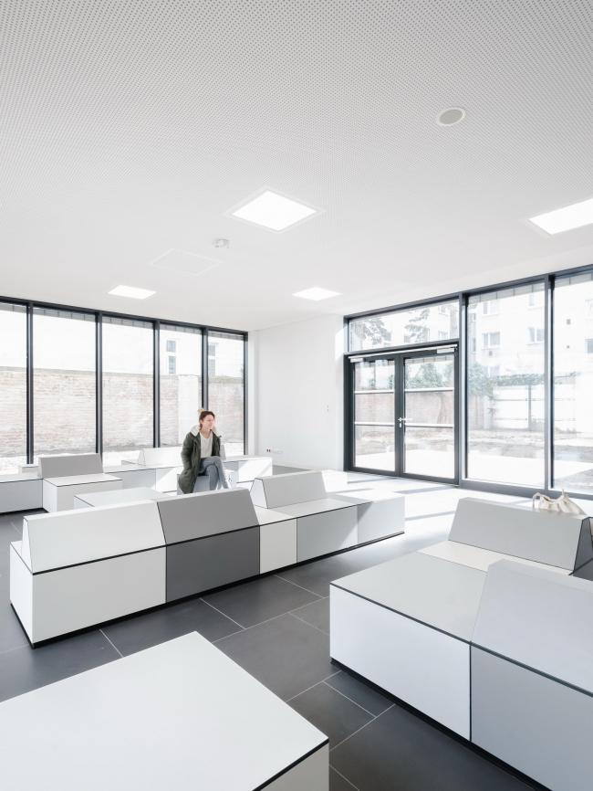Школа управления на Эмбельгассе © AllesWirdGut Architektur / Guilherme Silva Da Rosa